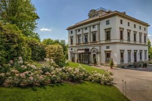 Tuscany villa wedding venue