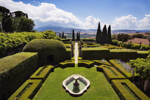 La Foce Villa gardens