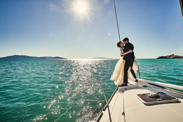Luxury elopement on a boat