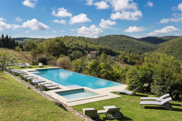 Borgo di Pietrafitta Outdoor Infinity Pool