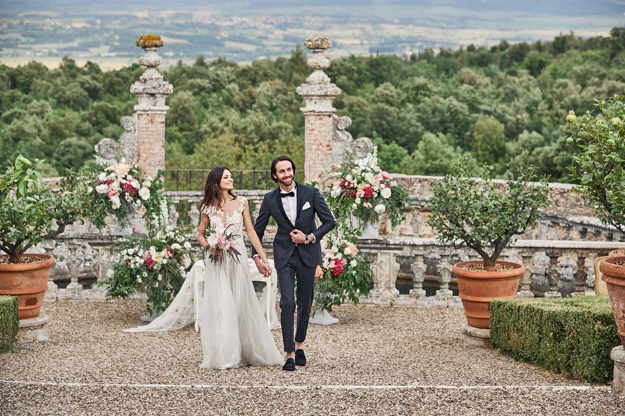 How to pick a wedding venue